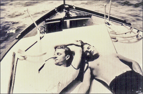 two-men-on-a-boat-482